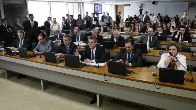 Comissão do Senado discute regras para pesquisas eleitorais