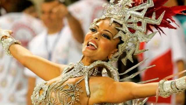 'Quero fazer uma despedida à altura', diz Juliana Paes sobre o Carnaval