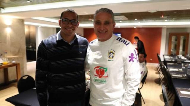 Gilberto Silva visita a concentração da seleção em Porto Alegre
