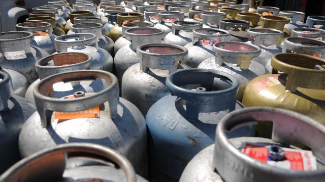 Famílias economizam com a troca de botijão por gás oriundo de esterco