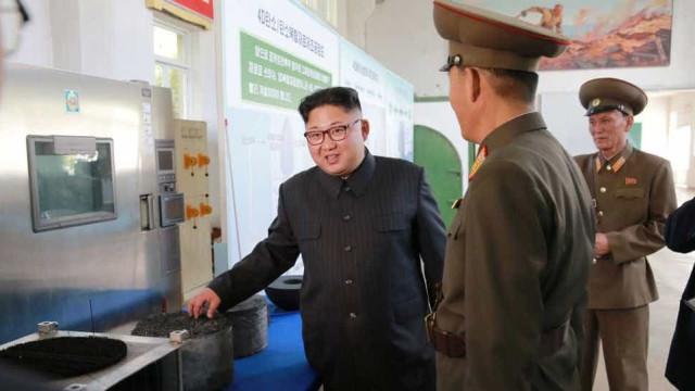Kim Jong-un ordena aperfeiçoamento de armas nucleares