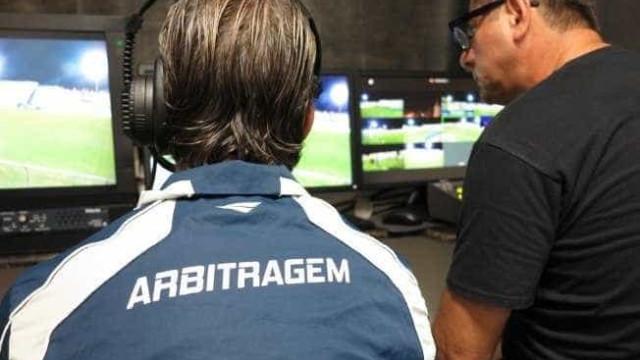 CBF não prevê árbitro de vídeo na próxima rodada do Brasileiro
