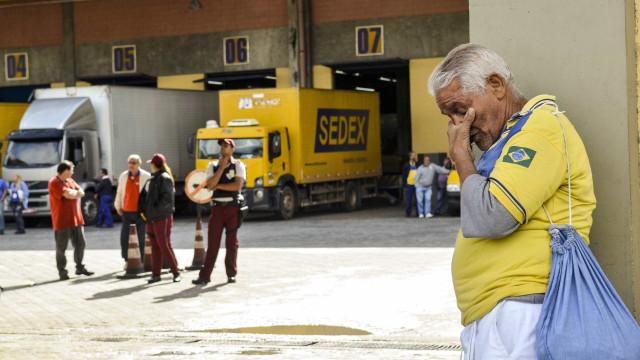 Carteiros decidem entrar em greve em SP
