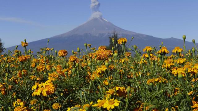 Vulcão entra em atividade em região afetada por terremoto no México