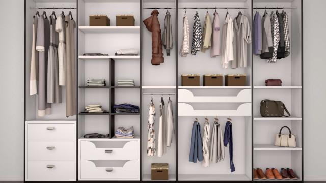 Dicas simples para organizar o seu guarda-roupa de forma funcional