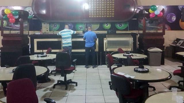 Bingo clandestino é interditado e 107 apostadores são detidos