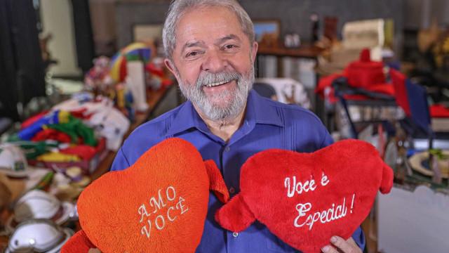 PT lançará 'vaquinha' para bancar caravanas de Lula pelo Brasil