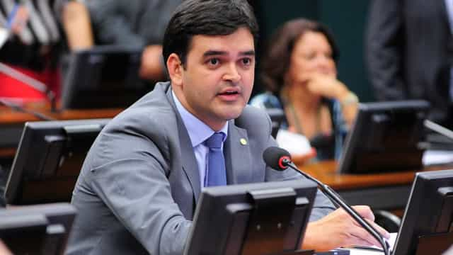 Vice-líder do PCdoB vai ao STF por fatiamento da denúncia contra Temer