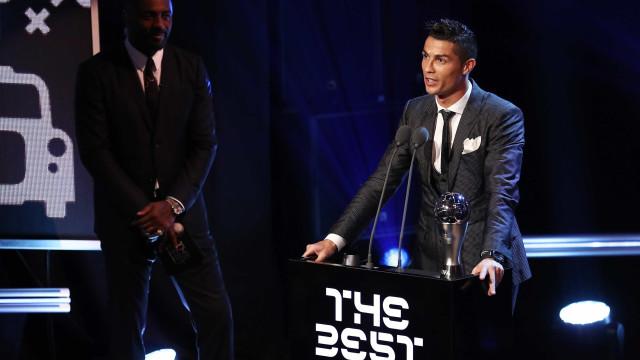 Cristiano Ronaldo é eleito o melhor jogador do mundo em 2017