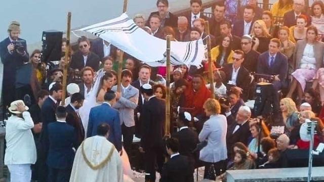 Empresário da Madonna e modelo fazem casamento judaico no Cristo; fotos