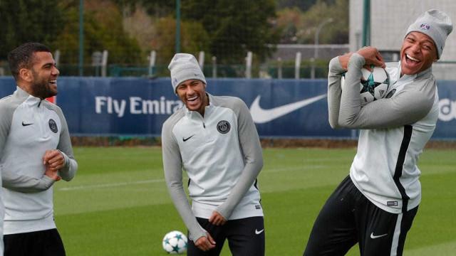 'É como um irmão mais velho para mim', diz Mbappé sobre Neymar