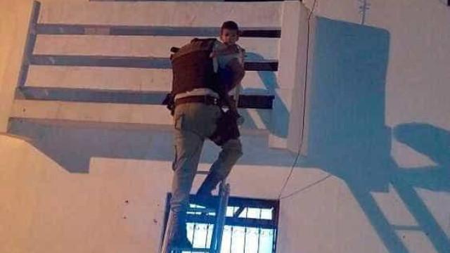 Polícia resgata bebê deixado sozinho em casa na Bahia