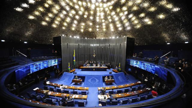 Senado pode votar na terça fim de coligações e cláusula de desempenho