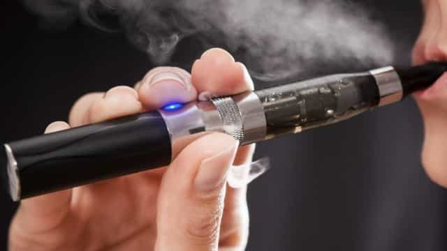 Especialistas concordam: cigarro eletrônico faz mal à saúde