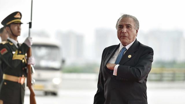 Temer manda carta a parlamentares e usa Cunha para se defender