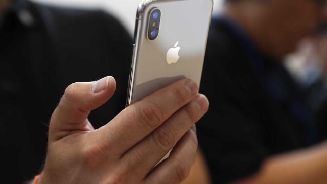 Demanda pelo iPhone X gera fila de espera de um mês