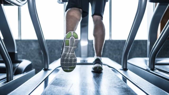 4 dicas para diminuir as dores nas pernas após a corrida