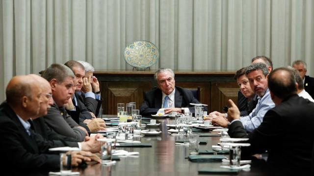 Base aliada do governo Temer se queixa de 'ministros candidatos'