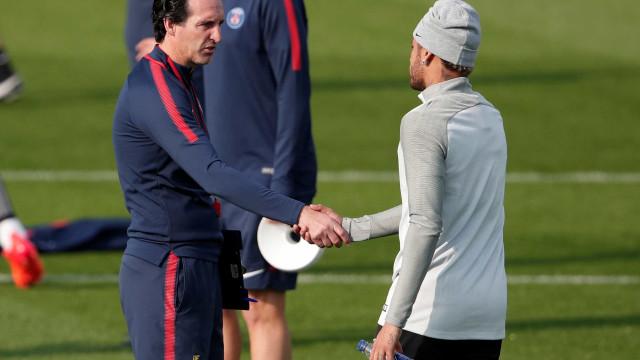 'Abismo entre eles', diz jornal sobre relação entre Neymar e técnico