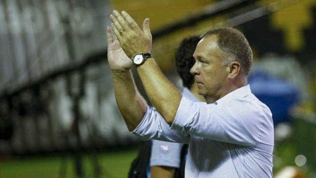 Mano celebra boa atuação do Cruzeiro na vitória sobre o Fluminense
