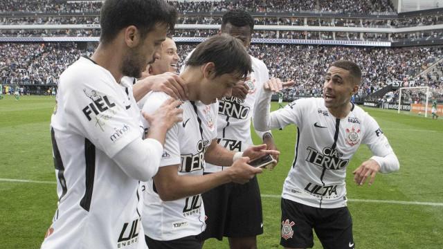 Corinthians pega o Fluminense e prepara a festa do título no Itaquerão