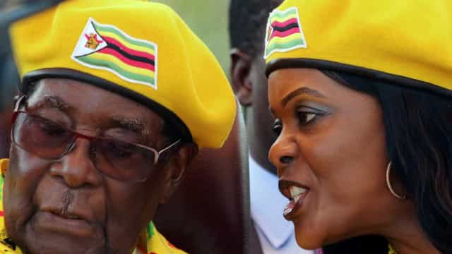 """Zimbábue: militares estão """"em processo de tomar o comando"""""""