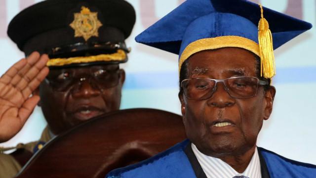 Mugabe concorda em abandonar a presidência do Zimbábue