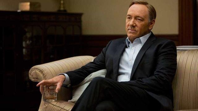 8 profissionais de House of Cards denunciam assédio de Kevin Spacey