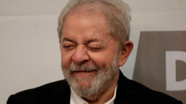 Lula: 'Quero disputar com alguém com logotipo da Globo na testa'