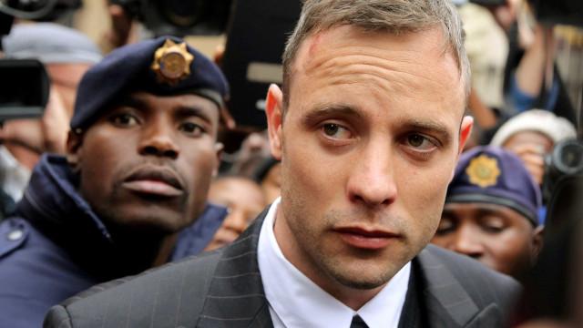 Oscar Pistorius tem pena aumentada de 6 para 13 anos