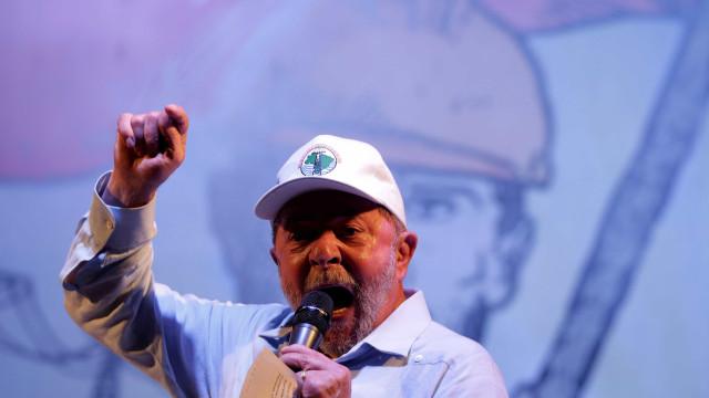 Lula após vitória de Temer: 'E dizem que a Lava Jato combate corrupção'