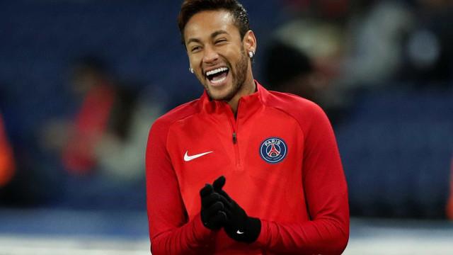 'Me aceitariam de volta?', disse Neymar em visita ao Barça