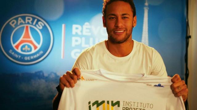 Neymar reúne craques para amigo oculto, que será exibido no SBT