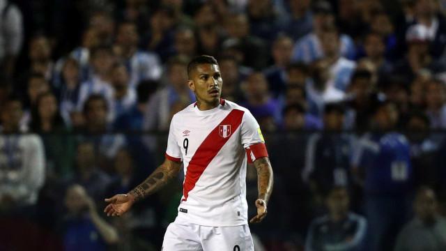Defesa de Guerrero dá primeiro passo para tentar reverter pena na Fifa