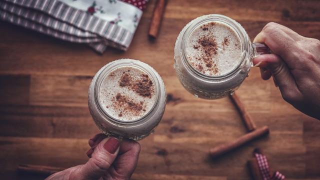 Volta ao mundo pelas bebidas de Natal mais tradicionais