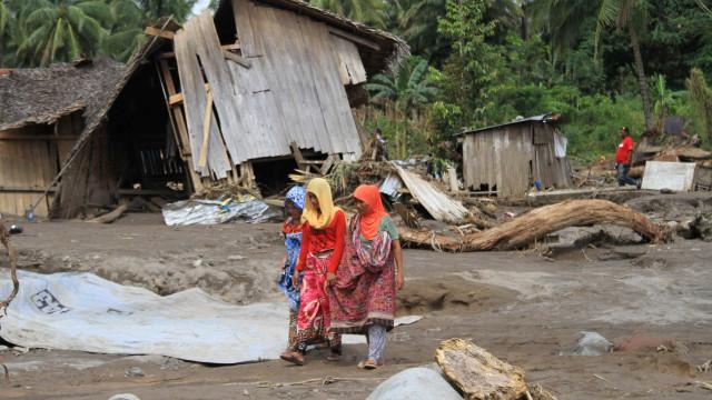 Tempestade que matou 200 nas Filipinas segue para o Vietnã