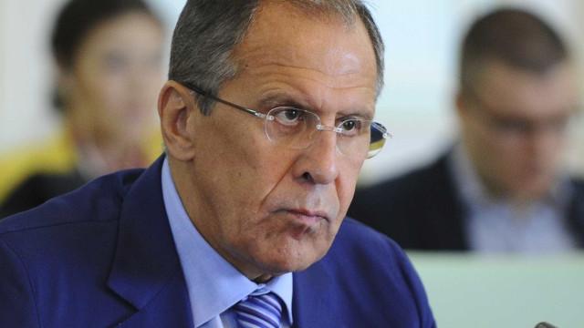 """Lavrov : """"retórica agressiva"""" dos EUA contra Pyongyang é inaceitável"""