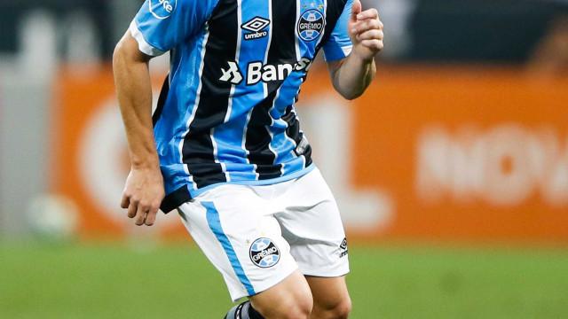 PSG pode 'atravessar' o Barcelona e contratar Arthur, do Grêmio