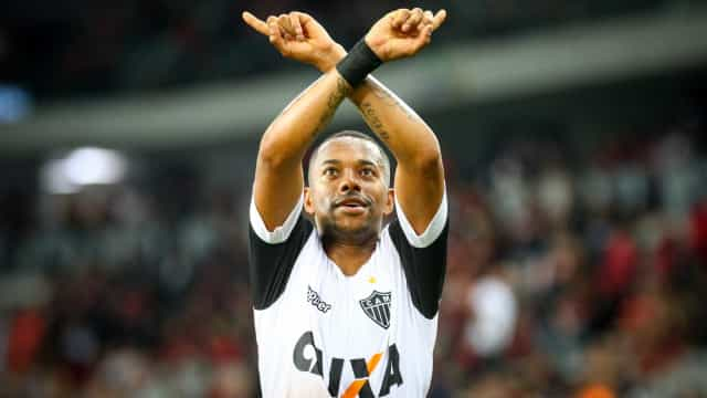 Sem aceitar proposta do Atlético-MG, Robinho fica distante da renovação