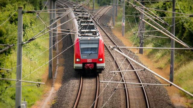 Chuva causa transtornos na circulação de trens no Rio nesta segunda