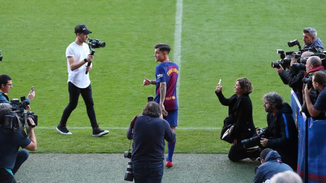 Após venda, Liverpool pede Coutinho emprestado ao Barcelona