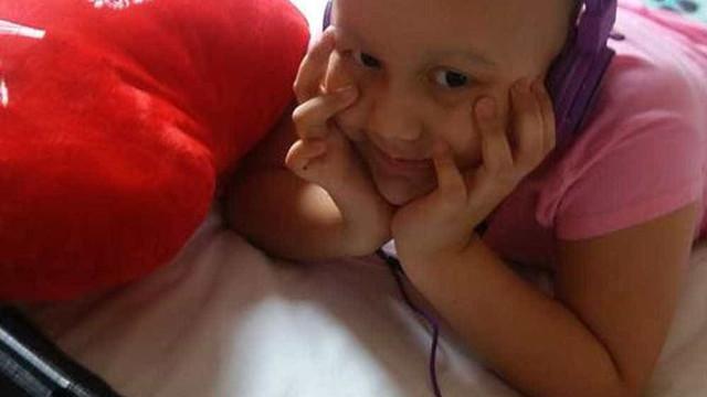 Menina que recebeu vídeo de ator de Grey's Anatomy morre em hospital