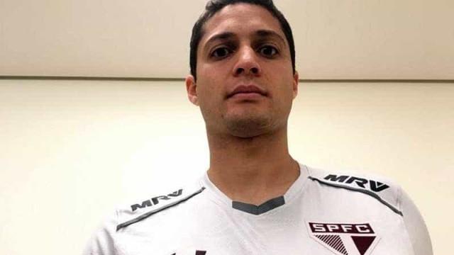 São Paulo anuncia contratação do zagueiro Anderson Martins