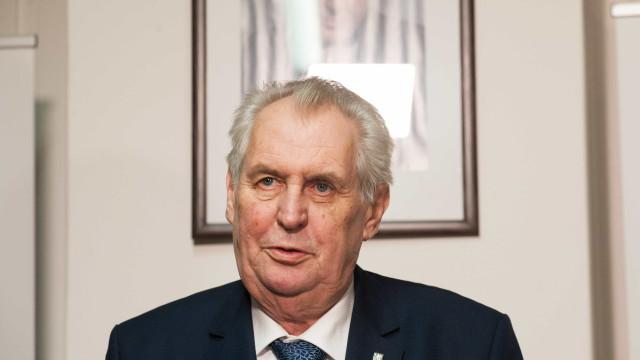 Eleição presidencial na República Tcheca vai para 2º turno