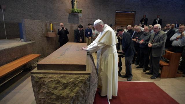 Mulher morre de infarto após missa do Papa Francisco