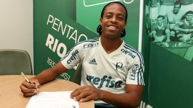 Palmeiras adquire 100% dos direitos de Keno e renova até 2021
