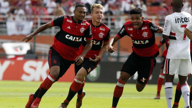 Flamengo marca no início e derrota o São Paulo na decisão da Copa SP