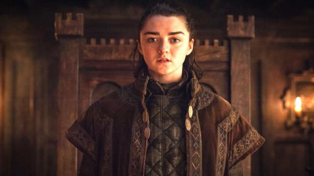 Maisie Williams revela mês de lançamento de 'Game of Thrones'