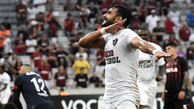Corinthians faz proposta, e Fluminense deve perder Henrique Dourado