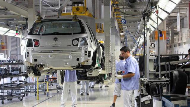 Indústria cresce em dezembro e setor apresenta recuperação